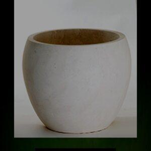 art 19 vaso in pietra leccese Pitardi Melpignano Lecce Puglia Italia